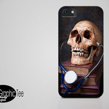 Skull iphone case, iphone 6 case, iphone case gift idea, man gift, men gift