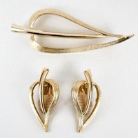 Sarah Coventry Brooch Set Heart Leaf Pin and Clip Earring Set Vintage
