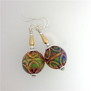 Mirage Bead Earrings from Kate D-W's Like Wow Collection. Light Color Changing