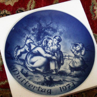 Vintage Bareuther collector's plate - Mother's Day 1973
