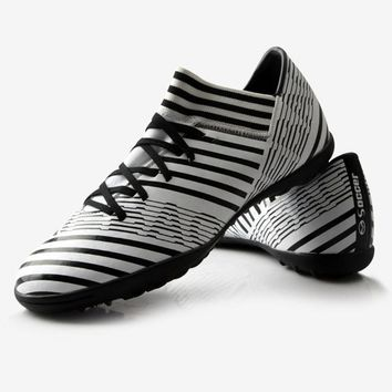 Soccer Shoes Indoor Football Training Boots for Unisex Racing Lightweight Soccer Shoes crampons de foot hautes chevilles