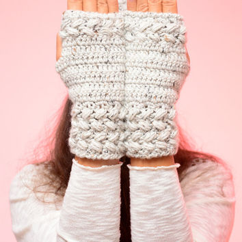 Gray fingerless gloves, winter wool mittens, wrist warmers, soft fingerless mitts, fashion mittens, autumn wool mittens. Christmas gift.