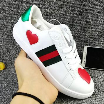 Trendsetter GUCCI Woman Fashion Heart-Shaped Flats Shoes Sneakers Sport Shoes