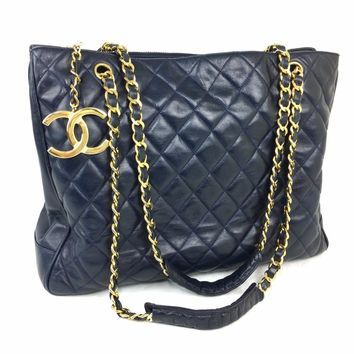 CHANEL Navy Lambskin Quilted CC Charm Shoulder Bag