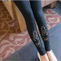 Lace & Filigree Maternity Leggings