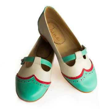 Green and white flat leather shoes