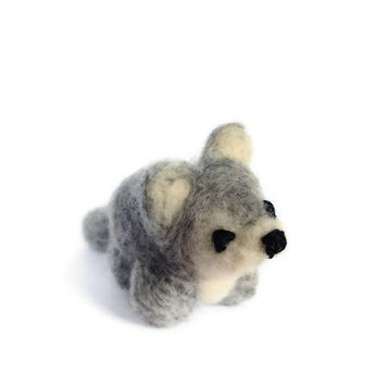 Needle Felted Wolf, Miniature Amigurumi Soft Sculpture (Husky - Wolf)
