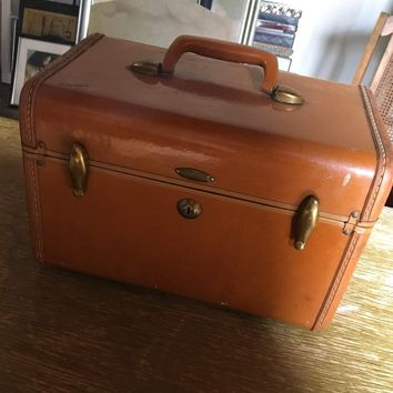 Mid-Century Samsonite Train Case With Mirror And Inside Pockets- Pristine!