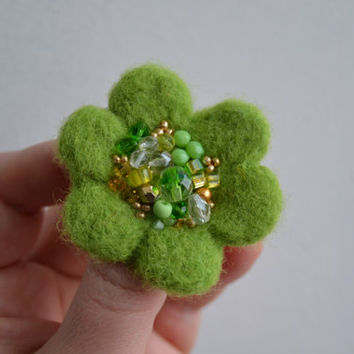 Little Needle Felted Brooch Light Green Wool Felt Flower, Small Felt Flower Pin,Flower Brooch, Felted Flower,Corsage Brooch,Woolen Brooch