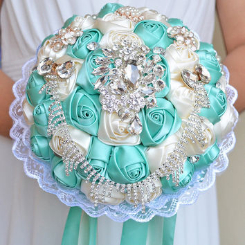 Elegant Silk Wedding Bouquets Artificial Bridal Bouquets Top Quality Beaded Crystals Brooch Flower Bride Bridal Decorative