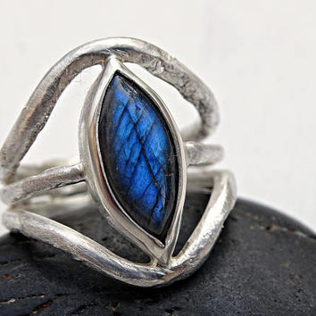 blue labradorite ring silver, unique labradorite ring, silver promise ring rustic, designer cocktail ring artisan, unique gift for her