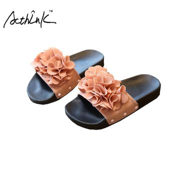 ActhInK Summer Children Leather 3D Flowers Slippers for Girls Kids Floral Leather Home Shoes Girls Flat Heels Slippers, ZS009