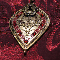 Steam punk keyhole necklace by caitlinjohns on Etsy
