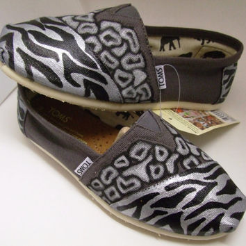 Custom painted ANIMAL PRINT TOMS Shoes