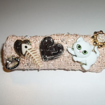 Hair Barrette - What does a Snowy Kitty Dream of? (White Cat Accessory - 9cm)  - Cat Ornament Hair Clip - Valentine's Day Gift