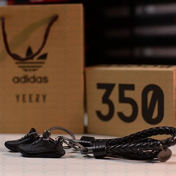 """Kicksmini Yeezy 350 Boost V1 """"Pirate Black"""" 3D mini Sneaker Keychains with Box and Bag"""