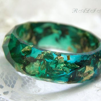 Bracelet faceted, Resin bangle, Resin gold flakes, Bracelet resin green gold flakes, Resin bangle, Bangle gold flakes