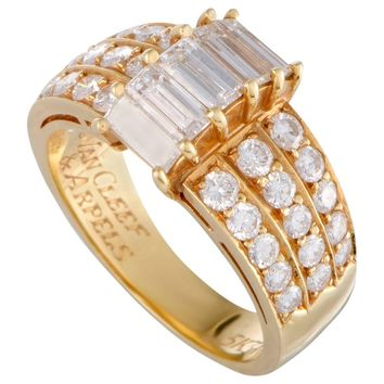 Van Cleef & Arpels Round and Baguette Diamond Yellow Gold Band Ring