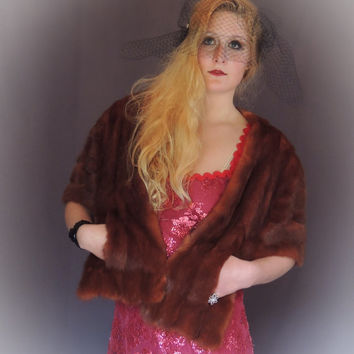 Vintage mink fur stole / cape in glossy chestnut / 1940s wrap shawl