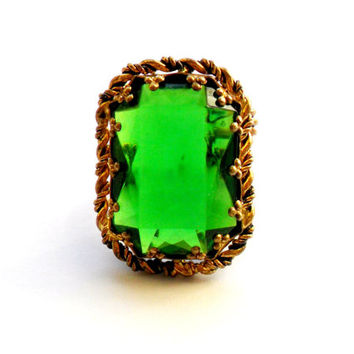 Emerald Green Cocktail Ring Vintage Chunky Bold Gold Tone Rope West Germany Cocktail Statement Adjustable Acrylic Plastic