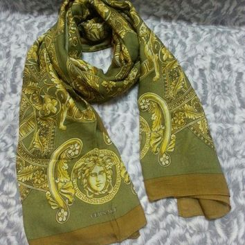 DCCKUG3 New VERSACE women scarf .Made in Italy. 90X200cm. Modal90%+Cashmere10%.