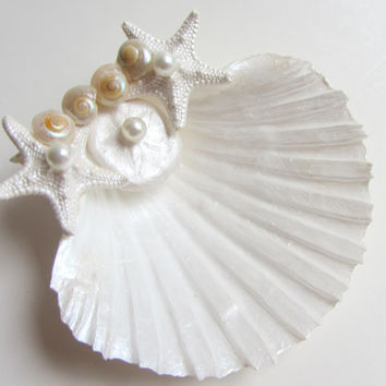 Beach Wedding Seashell Ring Pillow Shell Ring Bearer Bridal Accessory with Sea Biscuit and Starfish Accents