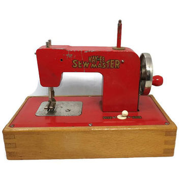 Vintage Red Child's Toy Sewing Machine, Miniature Metal, Sewing Gift, Sewing Room Display