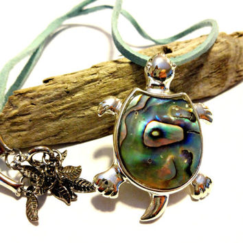Abalone Shell Sea Turtle Pendant Necklace, Beach Theme Necklace, Nautical Necklace, Shell Jewelry, Nautical Jewelry, Turtle Jewelry