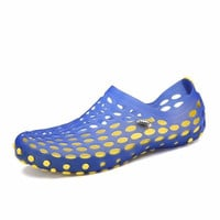 Men Hollow Out Breathable Slip On Beach Outdoor Water Sandals