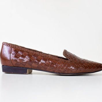 woven leather flats / brown loafers / leather woven flats / womens size 6 shoes