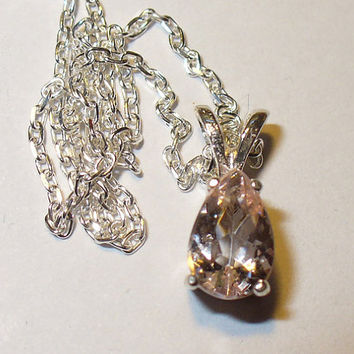 Sparkling Pink Morganite Pendant Necklace in Sterling silver