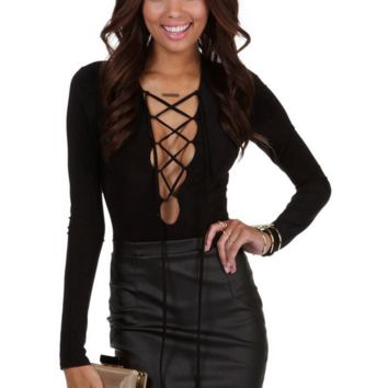 Deep V Neck Lace Up Long Sleeves Top in Black