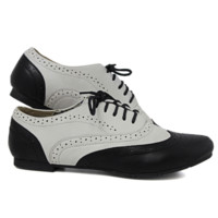 Black and White Oxfords | Danice Stores