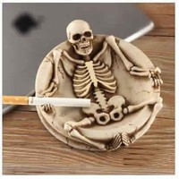 Creative resin skull ashtray Horror bone resin ashtray Funny ashtray Halloween table decorations - A