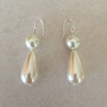 Ariel Faux-Pearl Earrings Pink Dress