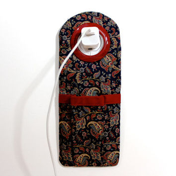 Socket Pocket Docking Station - iPhone Charger Holder - Navy Paisley Travelers Gadget Accessories