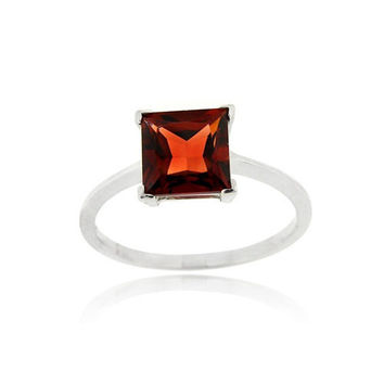 Sterling Silver Garnet Solitaire Square Ring