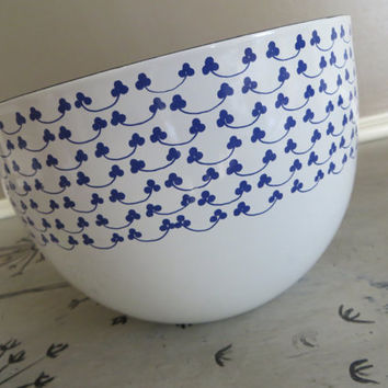 Finel Kaj Franck Clover Bowl Blue and White Enamel Enamel Bowl  Finel of Arabia Modern Enamel Danish Modern Wedding Gift Modernext