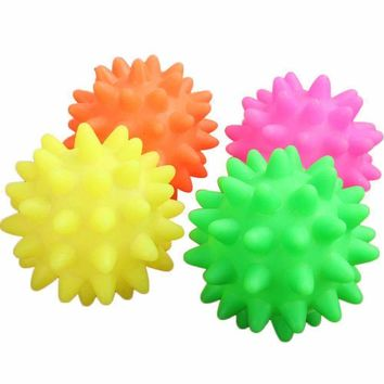 ISHOWTIENDA Hot 6.5CM Beautiful New Rubber Ball Toy Dog Pet Fun Spikey Ball Biting Chewing And Toys Pet Squeak  Toys