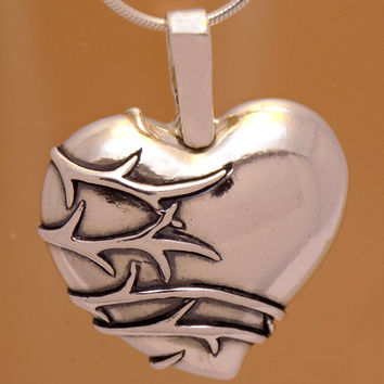 Vintage Solid Sterling Silver Heart Flower Pendant 925 Hallmark Charming Beautiful Gently Oxidized Marvelous Incredible Handmade Handcrafted