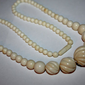 Vintage Ivory Necklace Pre Ban Carved Bead 1940s Jewelry