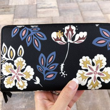 Tory Burch Kerrington Hopewell Zip Continental Wallet Black Floral