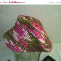 Holiday Special Newsboy Style Crochet Hat