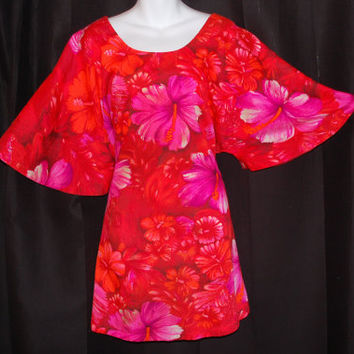 Vintage 1970s / Two Potato Mini Dress / Butterfly Sleeve / hawaiian floral print / Mod / Size large to XL / Red & Pink