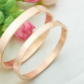 CREYXF7 (1 Pair)New Fashion Jewelry Roman Numerals Rose Gold Plated Stainless Steel Couples/Womens/Mens Cuff Bracelets Bangles Wristband Best Gift for Lover!