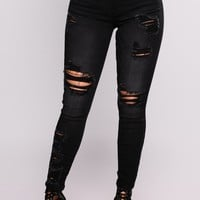 Nikky Distress Jeans - Black