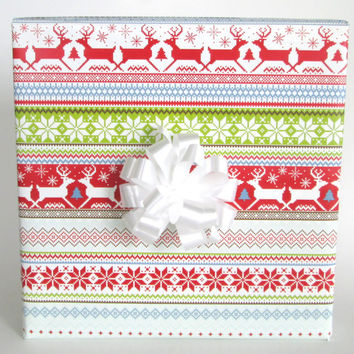Scandinavian Christmas Sweater Christmas Wrapping Paper, 10 ft x 2 ft. / 3.048 m. x .60 m. Roll