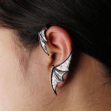 DCCKLW8 MQCHUN 2017 Vampire Bat Wing Single Earrings for Left Ear Goth Punk Style Vintage Black Metal Earrings For Men And Women