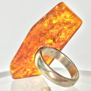 Antique Raw Amber and Sterling Silver Statement Ring / Huge Golden Yellow Orange Baltic Amber Cocktail Ring / Modernist 925 Sterling Ring