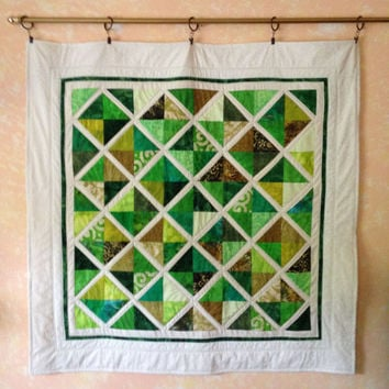 Quilted Wall Hanging Frienship Pattern in Greens